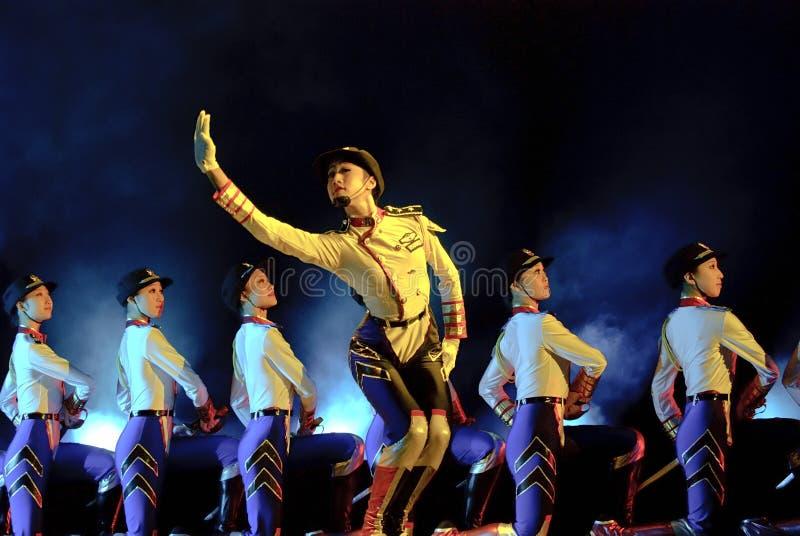 китайцы танцуют самомоднейшее стоковые фотографии rf