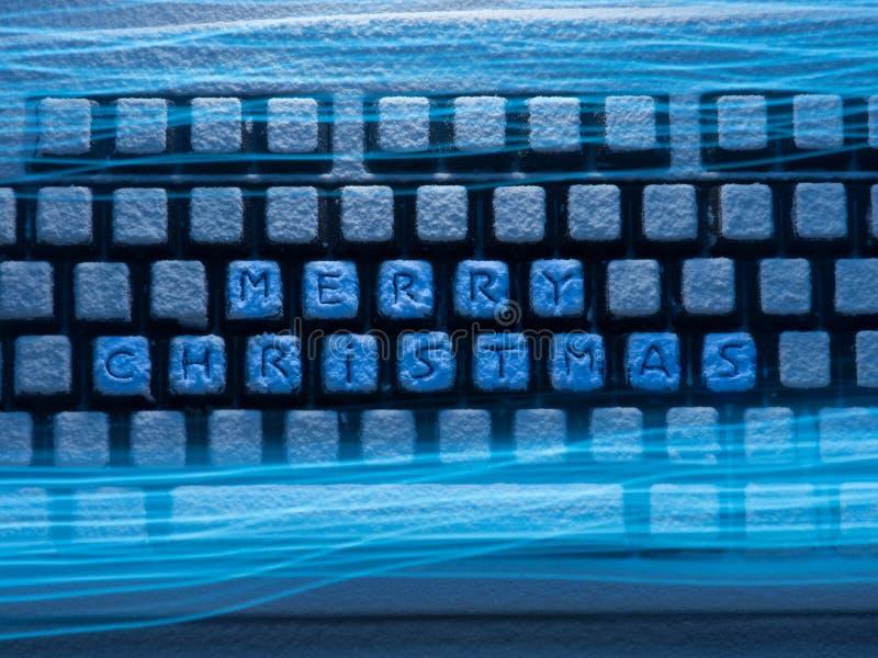 Клавиатура с рождеством текста веселым на кнопках покрытых со снегом загоренным голубым неоновым светом со светлыми трассировками иллюстрация вектора