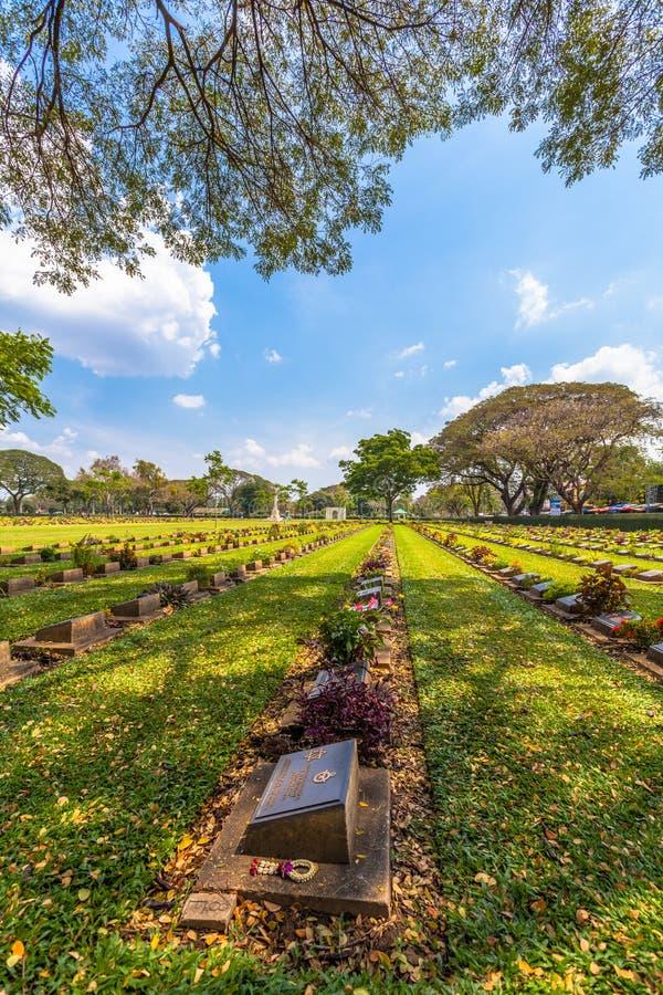 кладбище Вторая мировой войны в Дон Rak Kanchanaburi Таиланде стоковое изображение rf