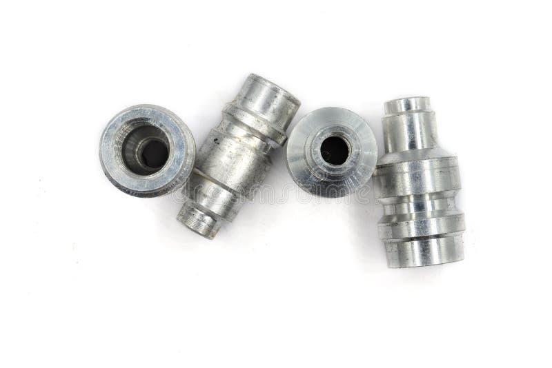 Клапаны обслуживания, для блока обслуживания частей условия воздуха на открытом воздухе, части ac, изолированные на белой предпос стоковое фото