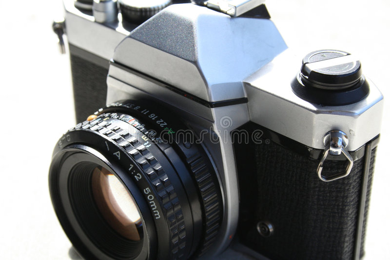 Download классика камеры стоковое изображение. изображение насчитывающей всход - 480501