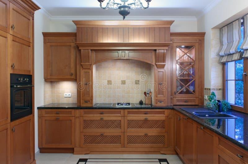 классицистическая кухня стоковые изображения