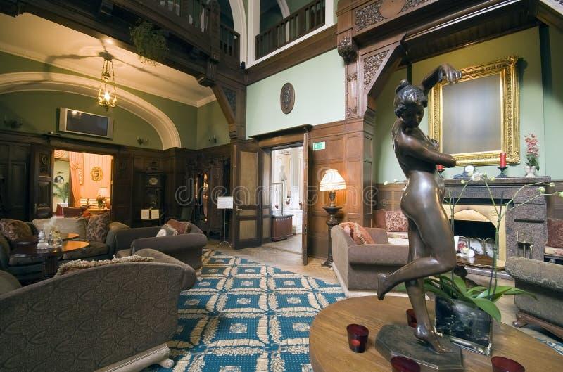 классицистическое лобби гостиницы стоковая фотография rf