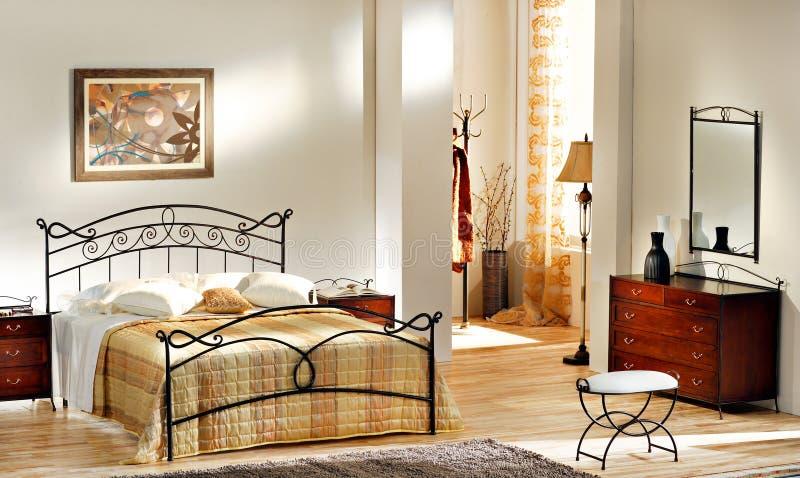 Классическая спальня   стоковое изображение