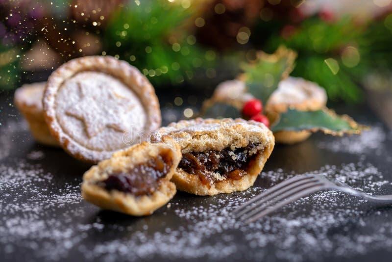 Классические британцы семенят пироги на праздничный сезон рождества стоковая фотография rf