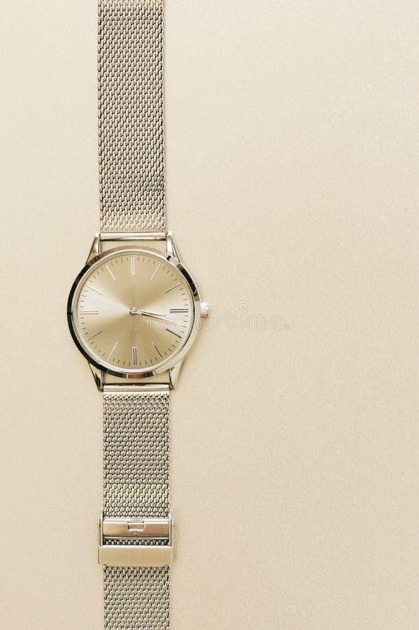 Классические стальные наручные часы стоковое фото rf