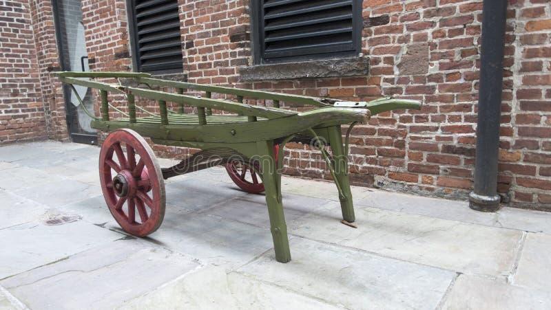 Классические старые фура/тележка лошади woodend стоковое фото rf