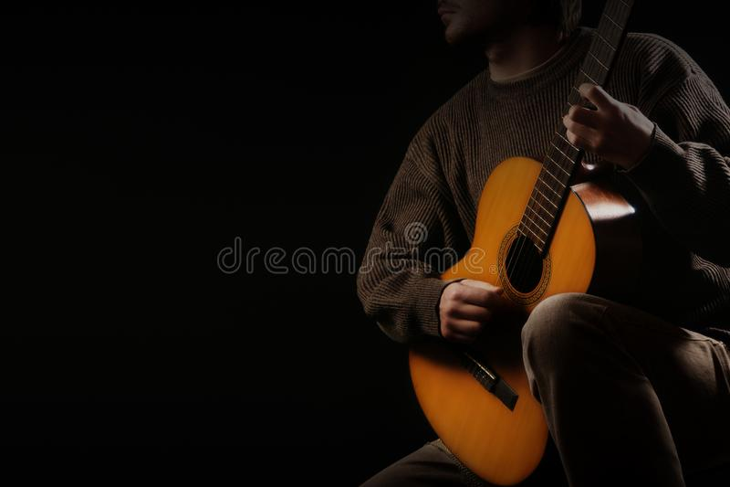 классический игрок гитары играть гитариста акустической гитары стоковые фото