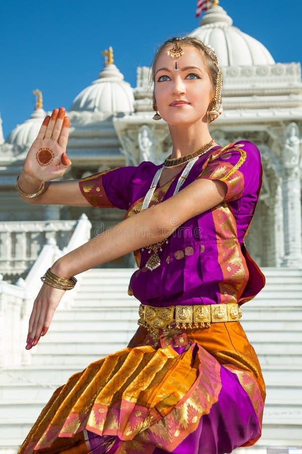 Классический индийский танцор стоковые фотографии rf