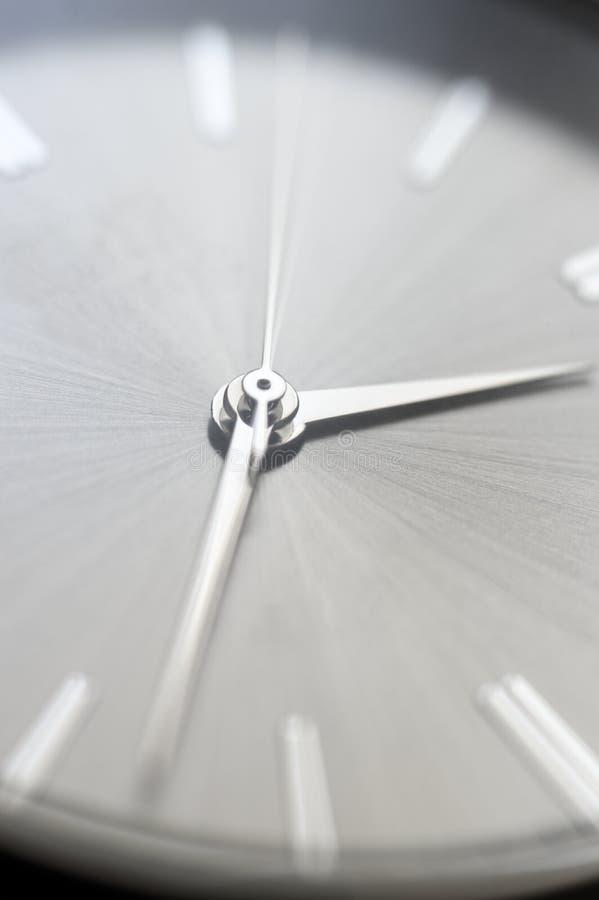 Классический стальной крупный план наручных часов стоковые фотографии rf