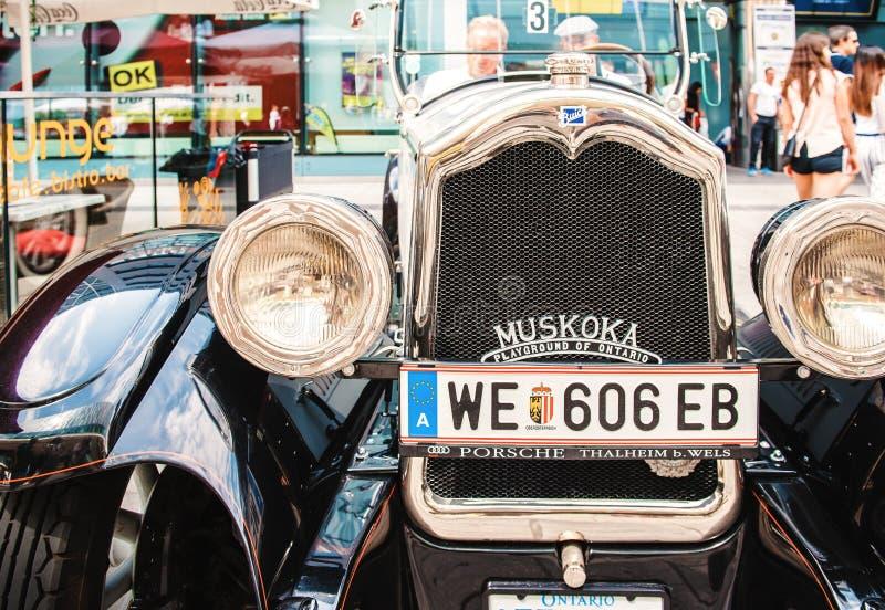 Классическое старое ралли автомобилей винтажных автомобилей в Вене, Австрии стоковое фото