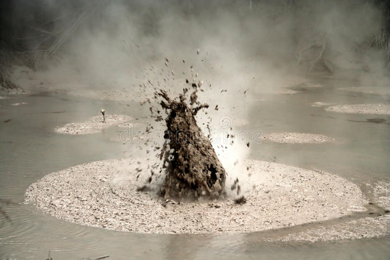 Клокоча грязь стоковая фотография