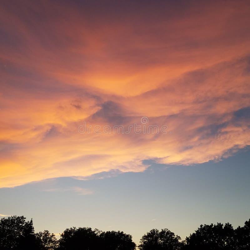 Клокоча облака стоковое фото rf