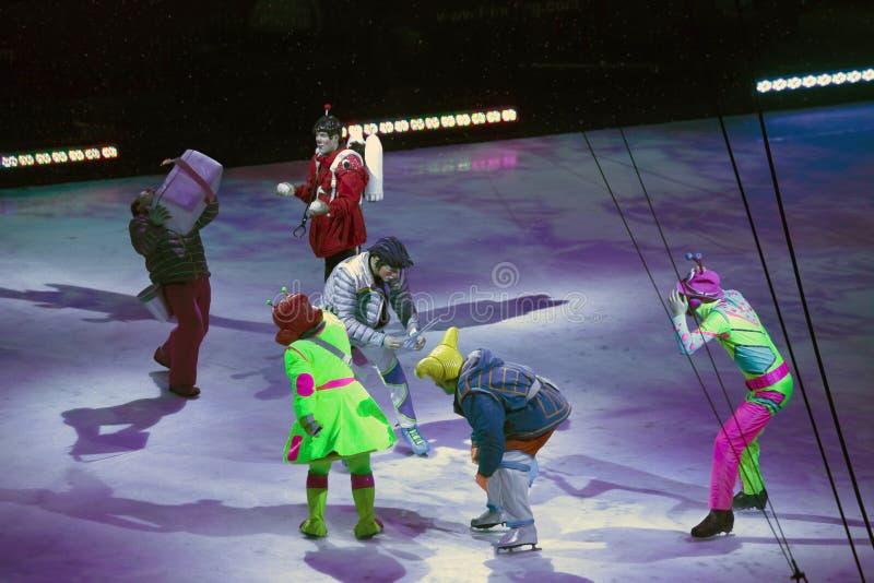 Клоуны выполняют на Barclays в Бруклине во время Ringling Bros Circ стоковая фотография