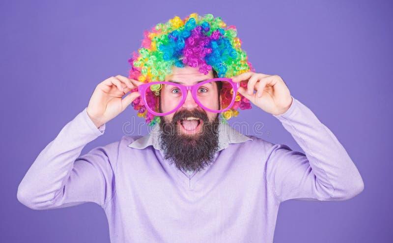 Клоун и цирк Потеха партии Насладитесь быть сумасшедший Чувствуйте свободный выразить Иметь потеху Потеха и масленица праздника стоковые изображения rf