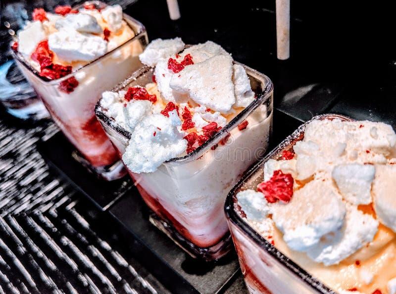 Клубника сливк десерта стоковое фото