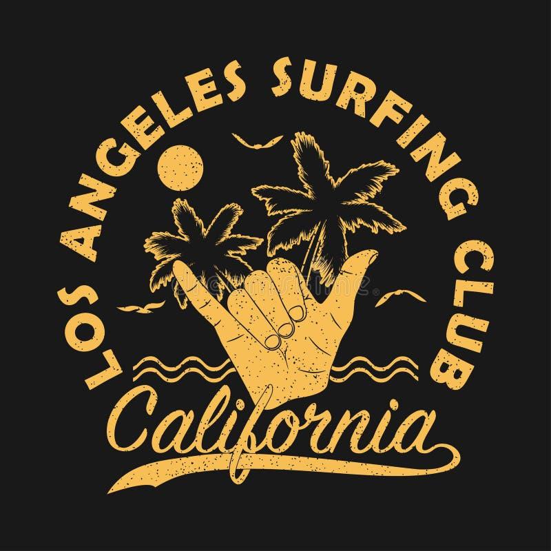 Клуб Лос-Анджелеса занимаясь серфингом, печать grunge Калифорнии для одеяния с shaka - винтажным жестом рукой прибоя также вектор бесплатная иллюстрация
