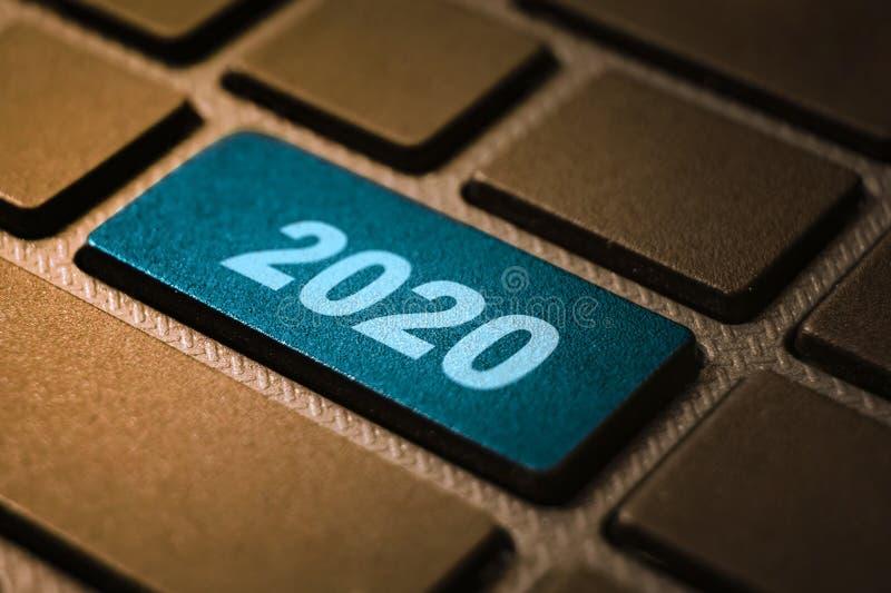 ключевое слово 2020 на клавиатуре стоковые изображения