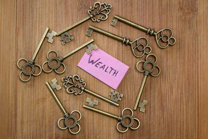 Ключи к богатству стоковое фото