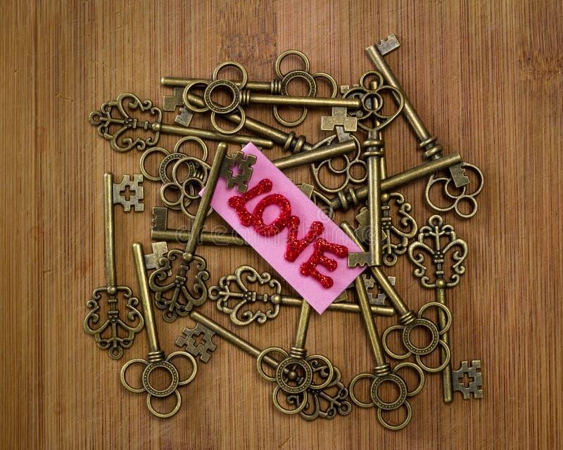 Ключи к влюбленности стоковое изображение