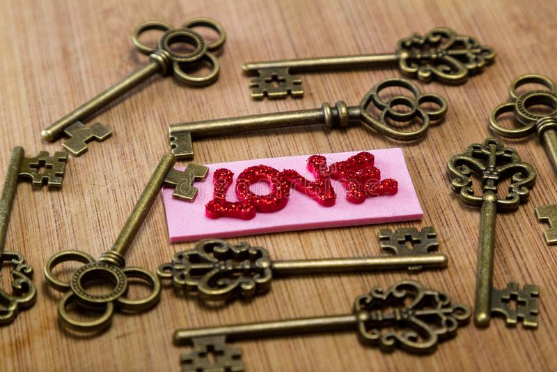 Ключи к влюбленности стоковое изображение rf