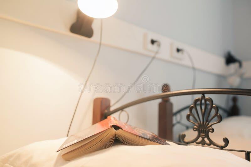 Книга на подушке стоковые фото