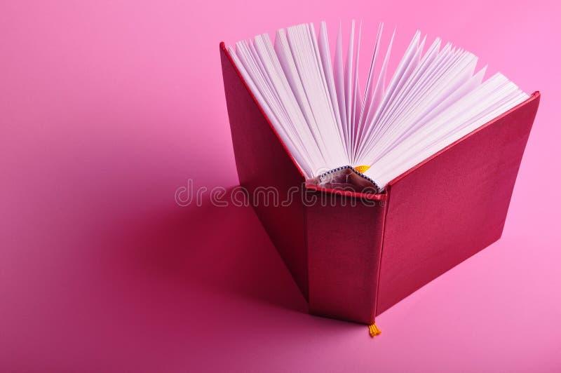 книга открытая стоковая фотография