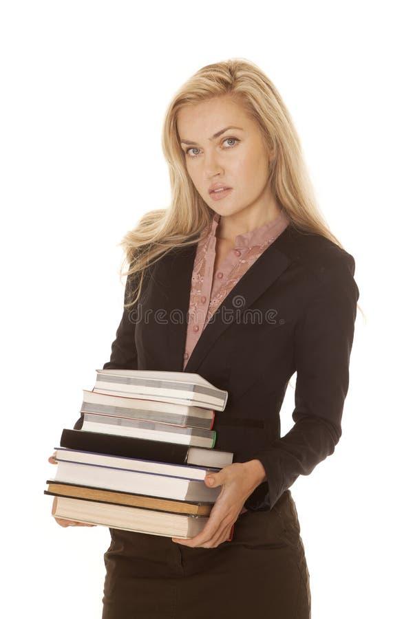 Download Книги платья дела женщины черные держат серьезный Стоковое Фото - изображение насчитывающей волосы, куртка: 33735164