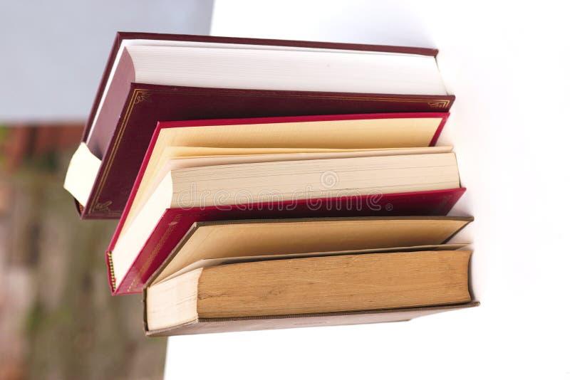 книги стоя совместно стоковая фотография