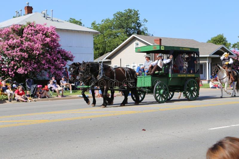 Ковбой на параде стоковые изображения
