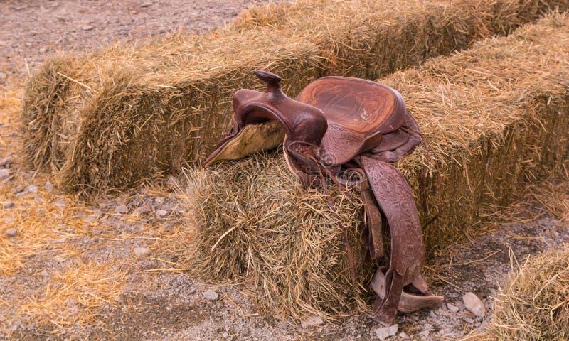 Кожаная седловина ковбоя стоковое изображение rf