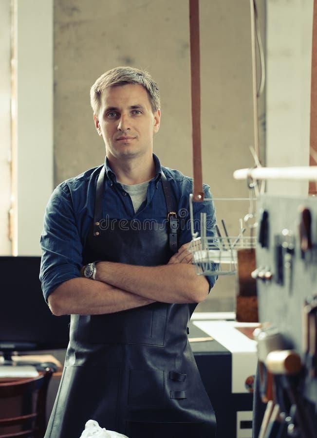 Кожаное предприниматель мастерской стоковые фото