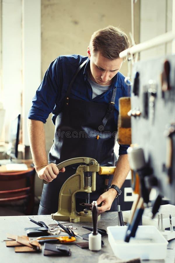 Кожаное предприниматель мастерской стоковые фотографии rf