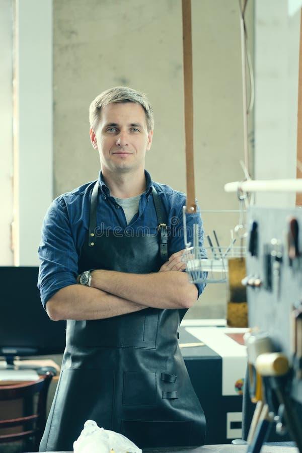 Кожаное предприниматель мастерской стоковое изображение rf