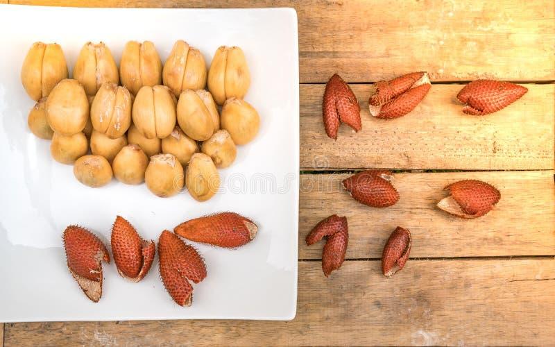 Кожух раковины плодоовощ Salak плодоовощ стоковые фото