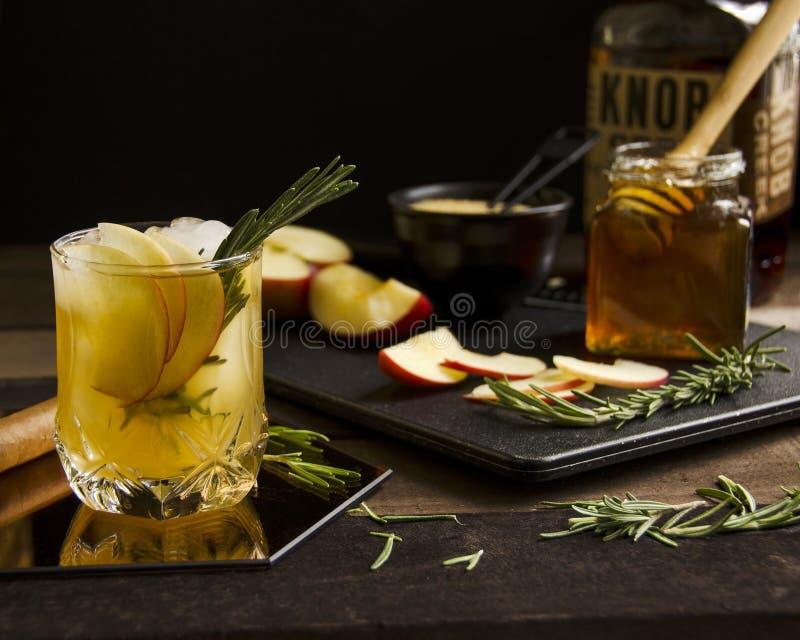 Коктеиль вискиа вкусно освежая стоковое фото rf