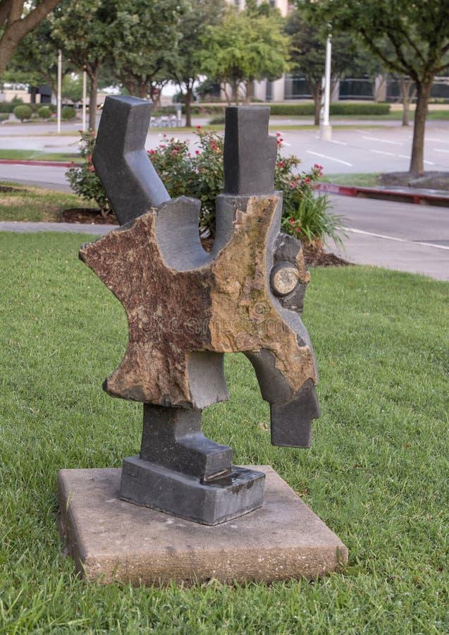 ` Колеса телеги ` Dominic Benhura, парком Hall, Frisco, Техасом стоковые изображения rf