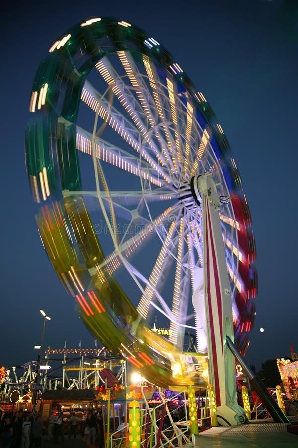 колесо ночи парома стоковое фото rf