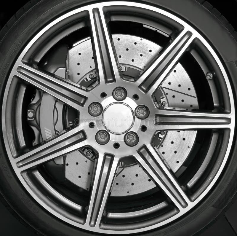 колесо оправы крома стоковое фото