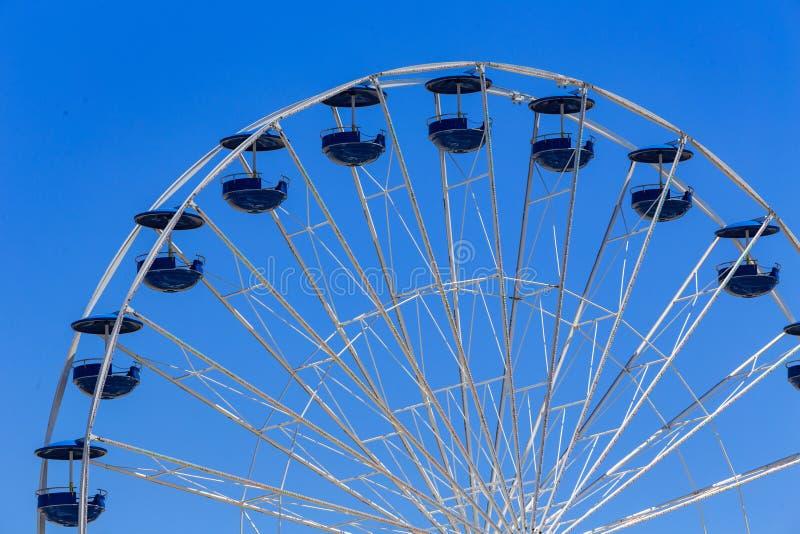 Колесо Ferris на променаде стоковая фотография rf