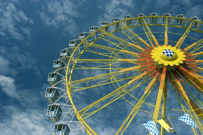 колесо munich больших ferris oktoberfest стоковые фото