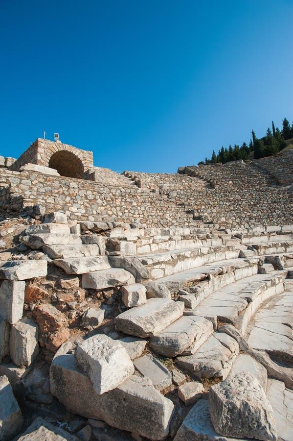Колизей амфитеатра в древнем городе Ephesus, Турции в красивом летнем дне стоковое фото rf