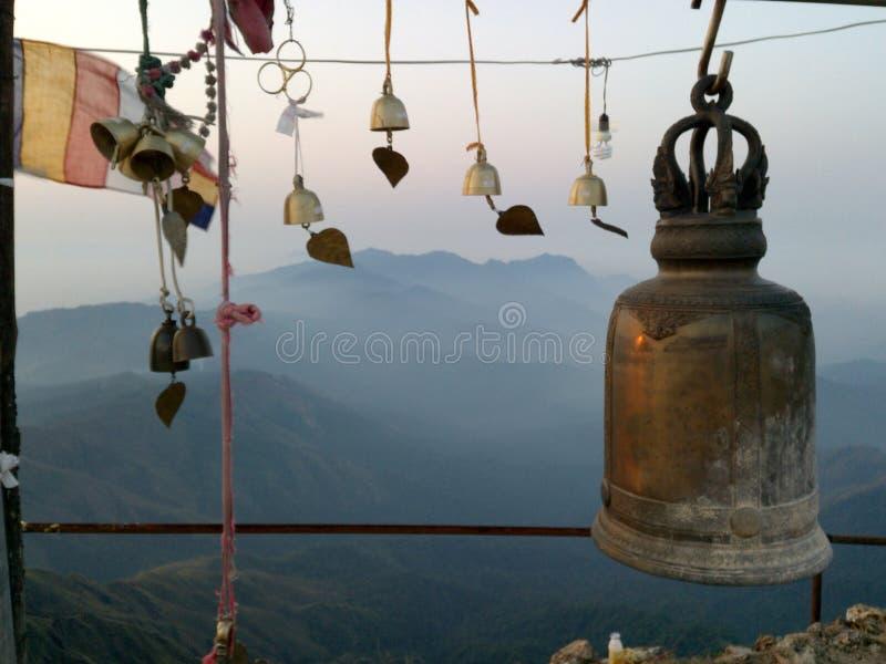 Колоколы вверху гора стоковая фотография rf