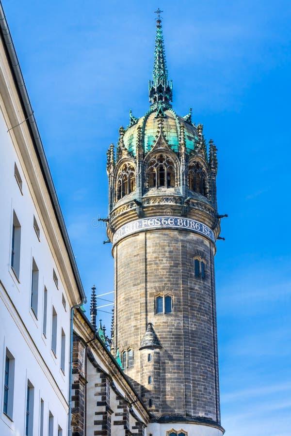 Колокольня вся церковь Schlosskirche Wittenberg Ger замка Святых стоковая фотография