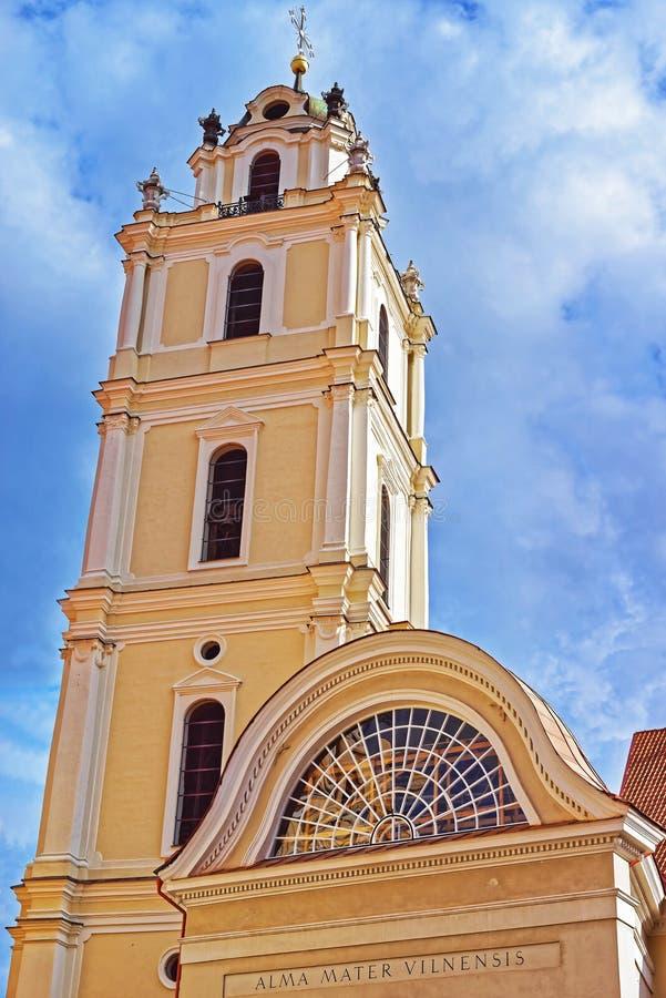 Колокольня церков St. John университета Вильнюса стоковое изображение rf