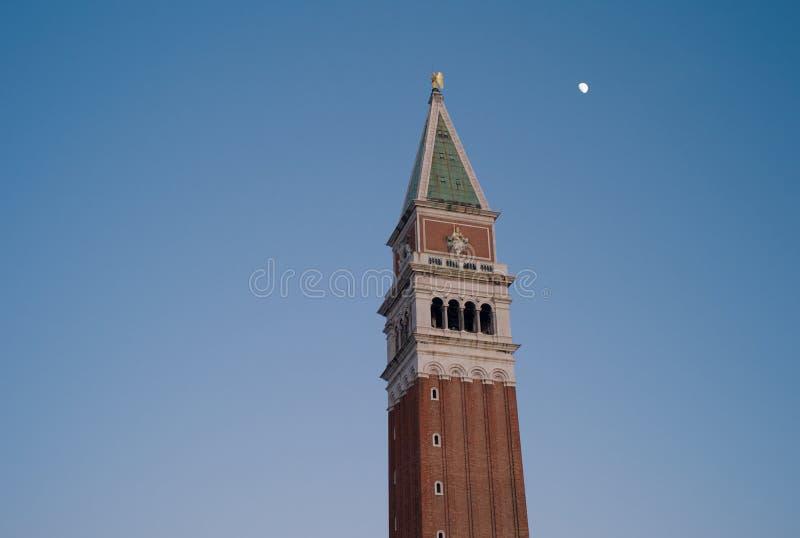 Колокольня - ` s Belltower St Mark, Венеция, Италия стоковое изображение rf