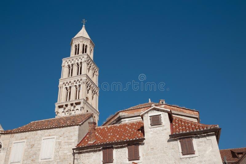 Колокол дворца ` s Diocletian Собор публики Domnius Святого стоковое фото rf
