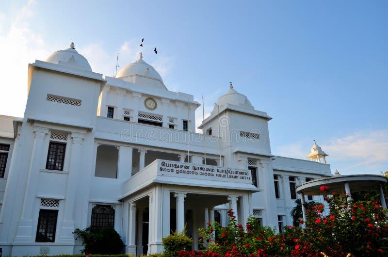 Колониальная эпоха отстраивать здание ориентир ориентира публичной библиотеки Джафны для Тамильских языков Джафны Шри-Ланки стоковые изображения
