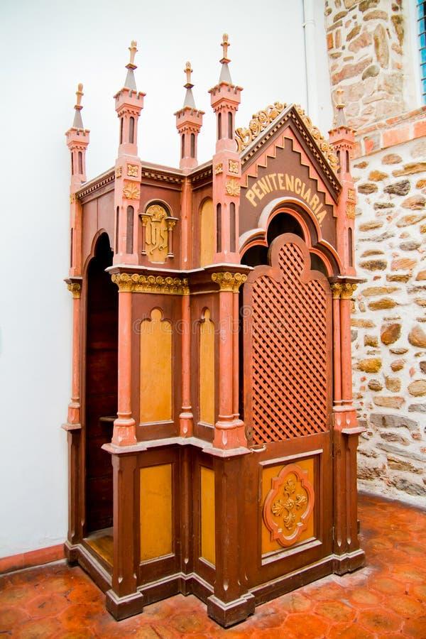 Колониальный Confessional на христианской церков стоковые фотографии rf