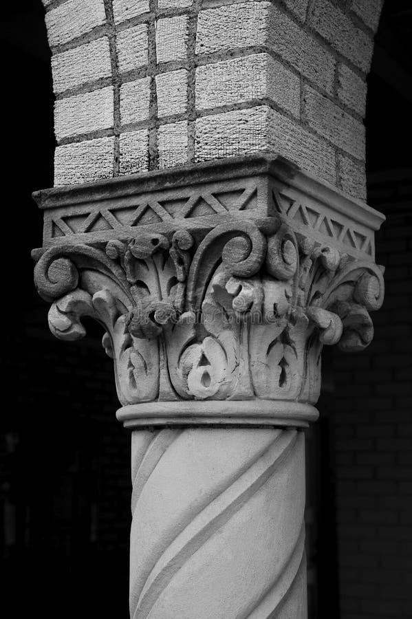 колонка богато украшенный стоковое фото